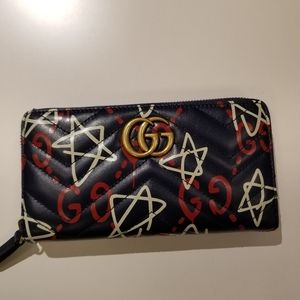 Sale: GUCCI Wallet New with tag
